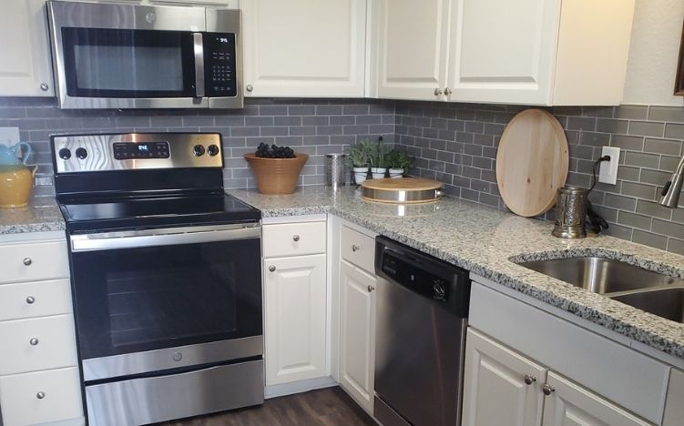 Upgraded apartment kitchen at the Active Adult Community Meadowstone Place in Dallas, TX