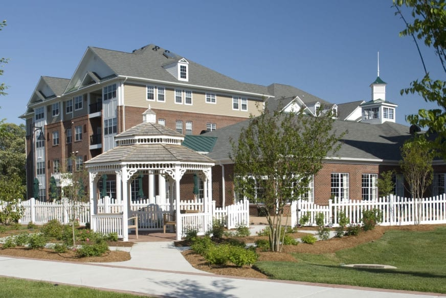A view of the gazebo and apartment building at the Retirement Community Verena at the Reserve