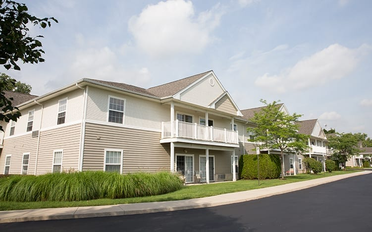 A view of the outside of the buildings of Pine Ridge of the Plumbrook Senior Living in Sterling Heights, MI
