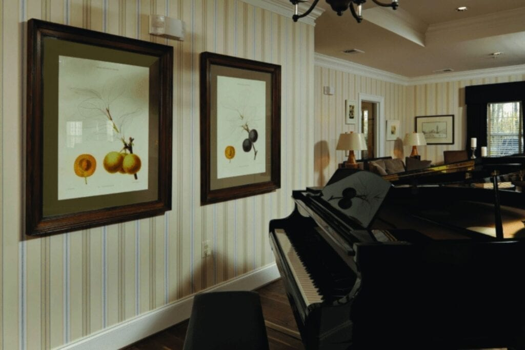 A piano in the lounge area at the Senior Living Community Verena at the Glen, VA