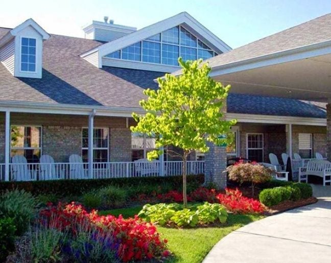 The entrance of Pine Ridge of Garfield Senior Living Apartments in Clinton Township, MI