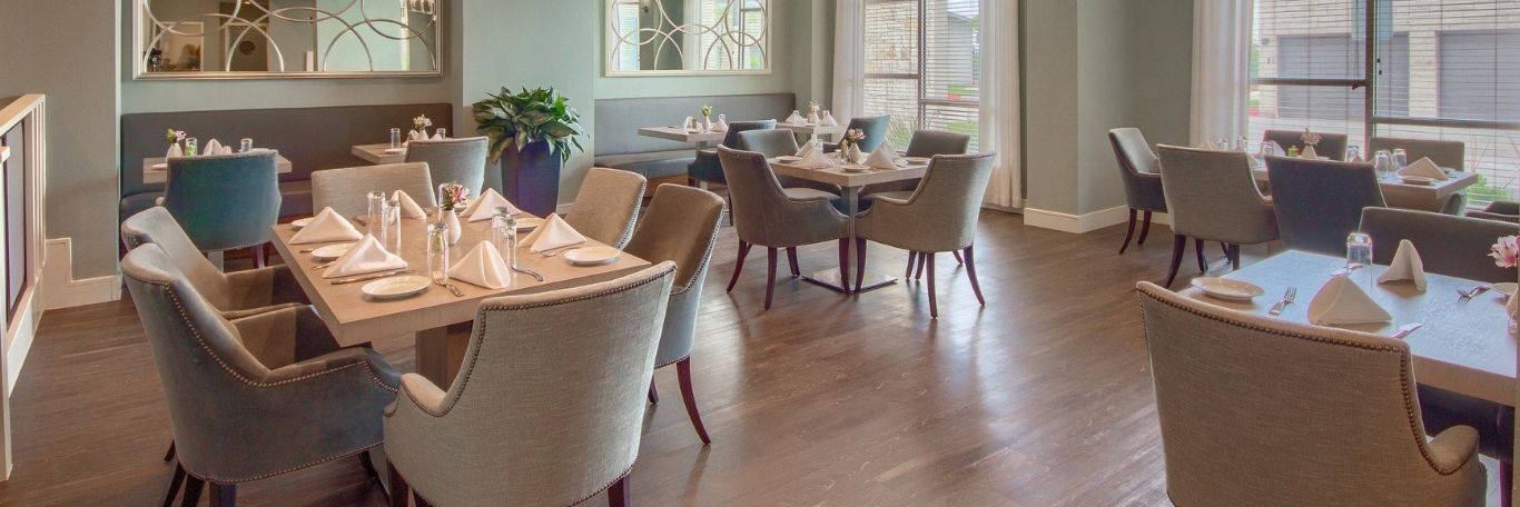 dining room at Skye Luxury Senior Living independent living community in Leander, TX